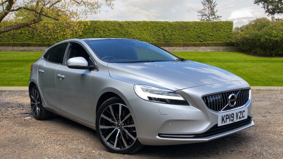 Volvo V40 D3 Inscription Edition AT, Xenium, Winter & IntelliPro Pks, Tints, 18In Alloys, Rr.Cam, DAB Radio 2.0 Diesel Automatic 5 door Hatchback (2019)