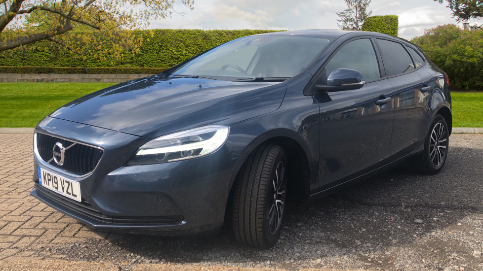 Volvo V40 T2 Momentum Nav Plus, Winter Edition, Ft Park Sensors, Privacy Glass & Volvo On Call image 3