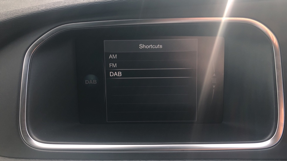 Volvo V40 T2 Momentum Nav Plus, Winter Edition, Ft Park Sensors, Privacy Glass & Volvo On Call image 7