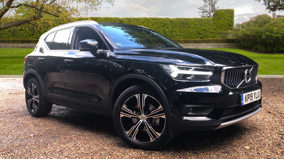 Volvo XC40 2.0 D4 Inscription Pro AWD Auto with Xenium, IntellisafePro, ConveniencePk, Keyless Drive Diesel Automatic 5 door Estate (2019) image
