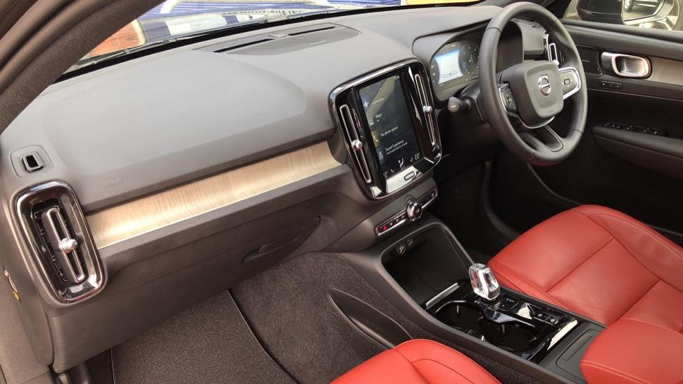 Volvo XC40 D4 Inscription AWD AT, Xenium/Winter/Convenience Pks, IntelliPro, HK Audio, S/Phone image 16