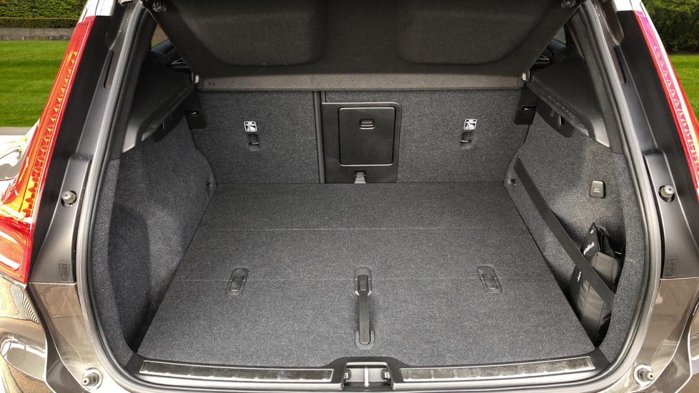 Volvo XC40 D4 Inscription AWD AT, Xenium/Winter/Convenience Pks, IntelliPro, HK Audio, S/Phone image 18