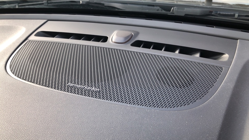 Volvo XC40 D4 Inscription AWD AT, Xenium/Winter/Convenience Pks, IntelliPro, HK Audio, S/Phone image 7