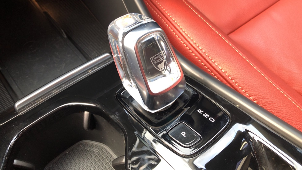 Volvo XC40 D4 Inscription AWD AT, Xenium/Winter/Convenience Pks, IntelliPro, HK Audio, S/Phone image 24