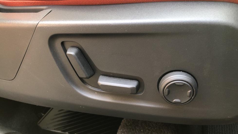 Volvo XC40 D4 Inscription AWD AT, Xenium/Winter/Convenience Pks, IntelliPro, HK Audio, S/Phone image 15
