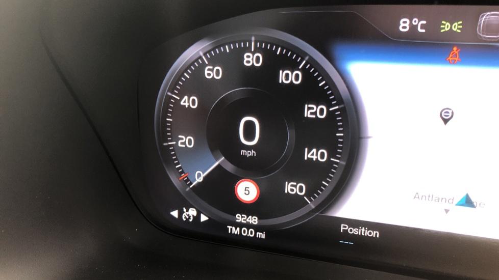 Volvo XC40 D4 Inscription AWD AT, Xenium/Winter/Convenience Pks, IntelliPro, HK Audio, S/Phone image 13