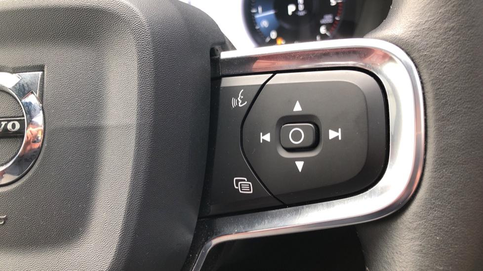 Volvo XC40 D4 Inscription AWD AT, Xenium/Winter/Convenience Pks, IntelliPro, HK Audio, S/Phone image 27