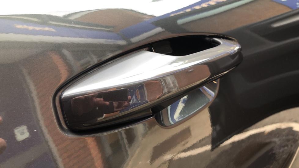 Volvo XC40 D4 Inscription AWD AT, Xenium/Winter/Convenience Pks, IntelliPro, HK Audio, S/Phone image 8