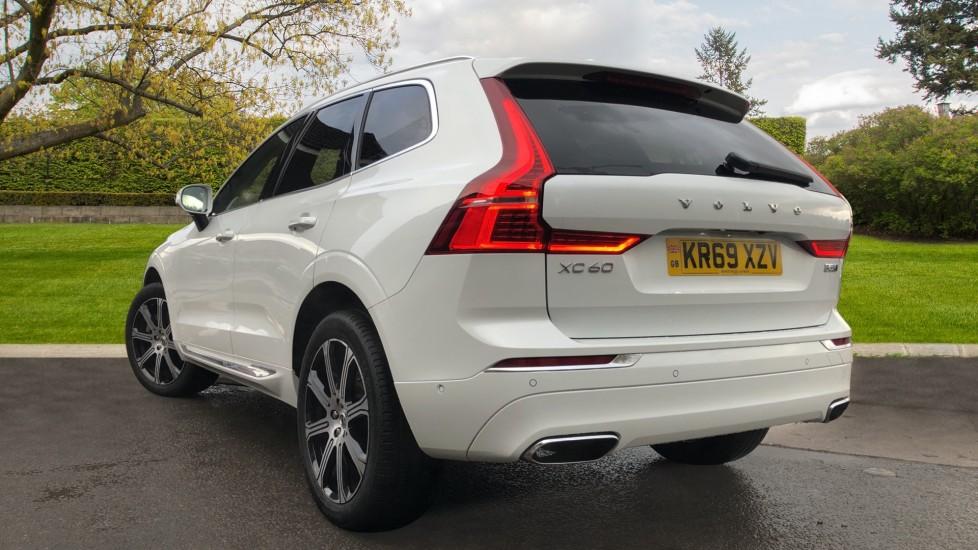 Volvo XC60 B5D Mild Hybrid Inscription Pro AWD Auto, Nav, Xenium Pack, Sunroof, 360 Camera, BLIS image 4