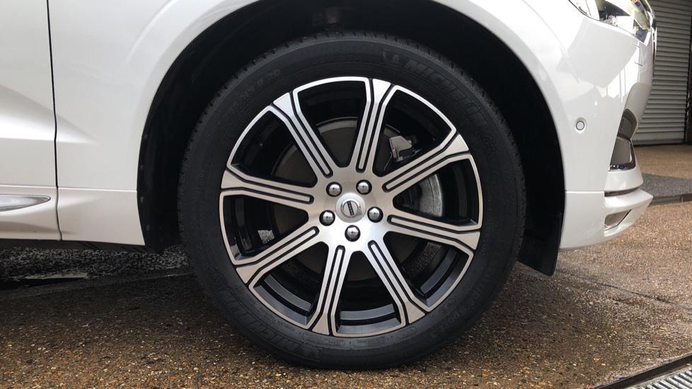Volvo XC60 B5D Mild Hybrid Inscription Pro AWD Auto, Nav, Xenium Pack, Sunroof, 360 Camera, BLIS image 26