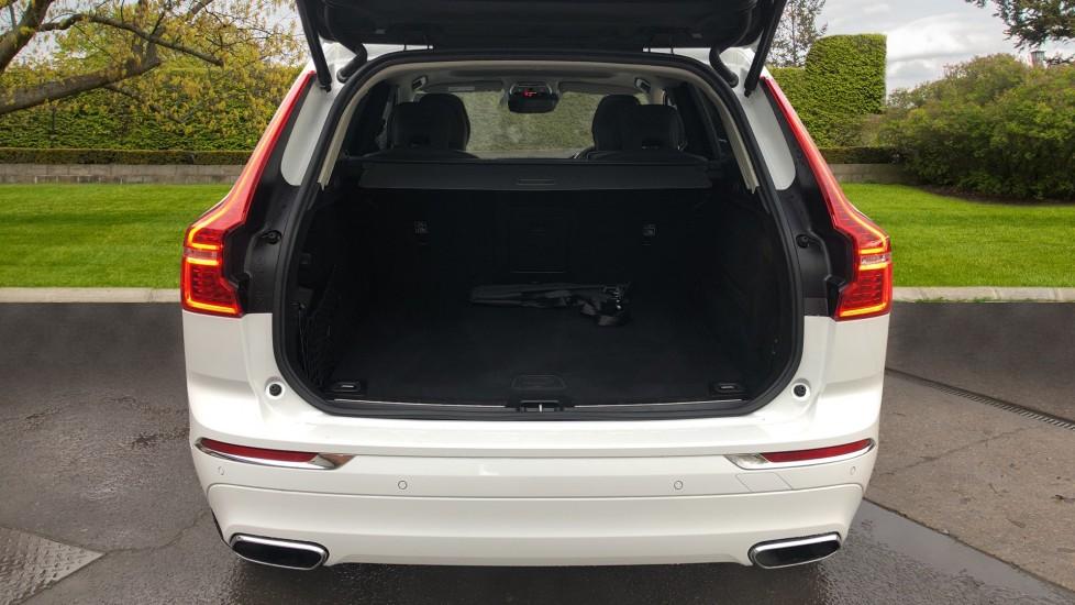 Volvo XC60 B5D Mild Hybrid Inscription Pro AWD Auto, Nav, Xenium Pack, Sunroof, 360 Camera, BLIS image 29