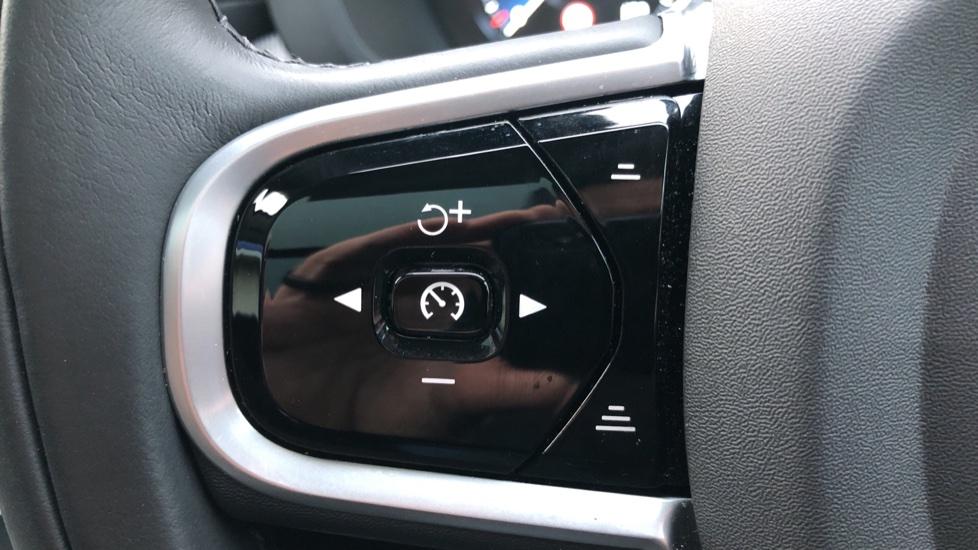 Volvo XC60 B5D Mild Hybrid Inscription Pro AWD Auto, Nav, Xenium Pack, Sunroof, 360 Camera, BLIS image 17