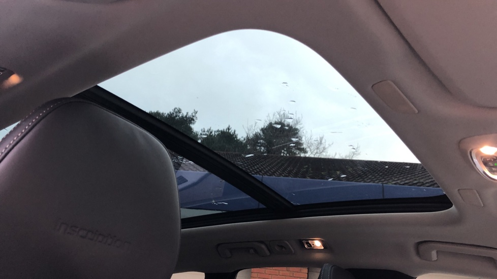 Volvo XC60 B5D Mild Hybrid Inscription Pro AWD Auto, Nav, Xenium Pack, Sunroof, 360 Camera, BLIS image 6