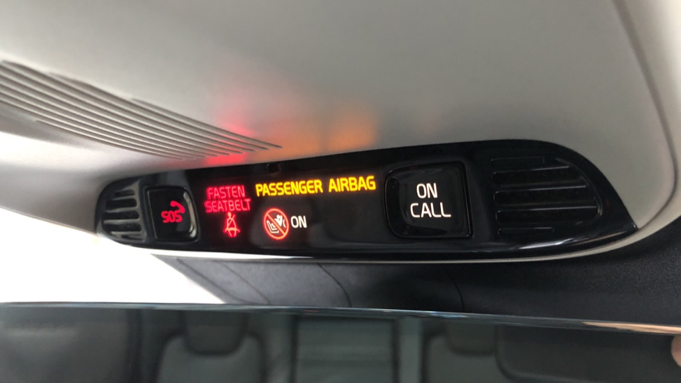 Volvo XC60 B5D Mild Hybrid Inscription Pro AWD Auto, Nav, Xenium Pack, Sunroof, 360 Camera, BLIS image 32