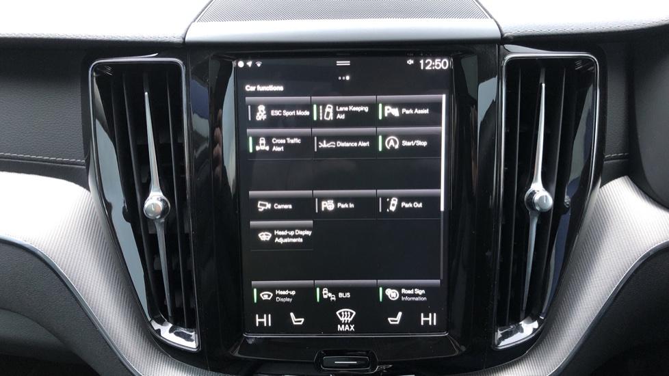 Volvo XC60 B5D Mild Hybrid Inscription Pro AWD Auto, Nav, Xenium Pack, Sunroof, 360 Camera, BLIS image 37