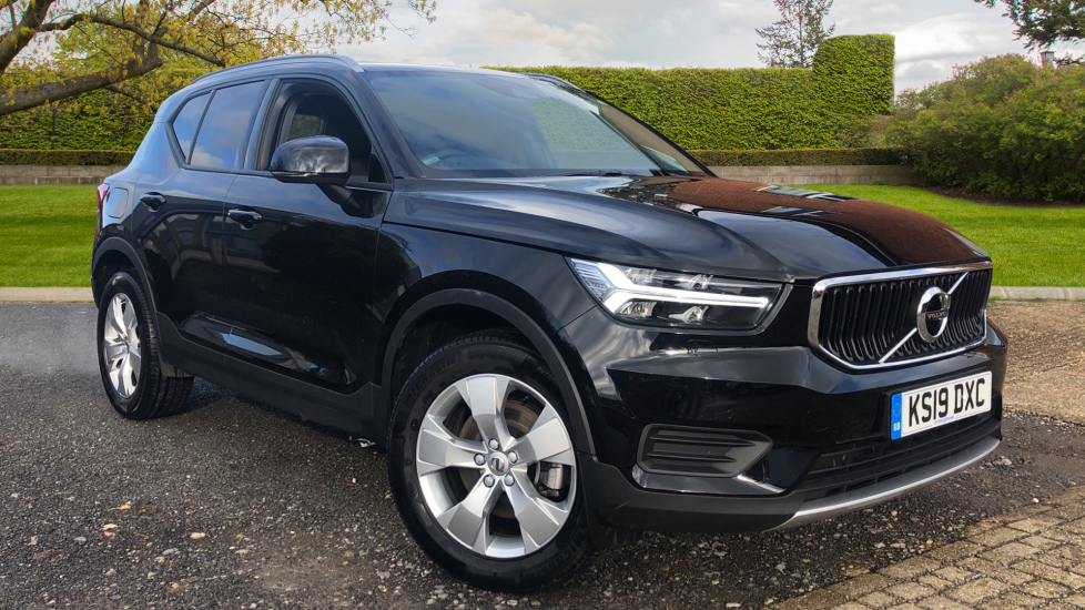 Volvo XC40 2.0 D3 Momentum AWD AT, Winter & Convenience Pks, F. Sensors, Keyless Drive, S/Phone Prep. Diesel Automatic 5 door 4x4 (2019) at Volvo Horsham thumbnail image