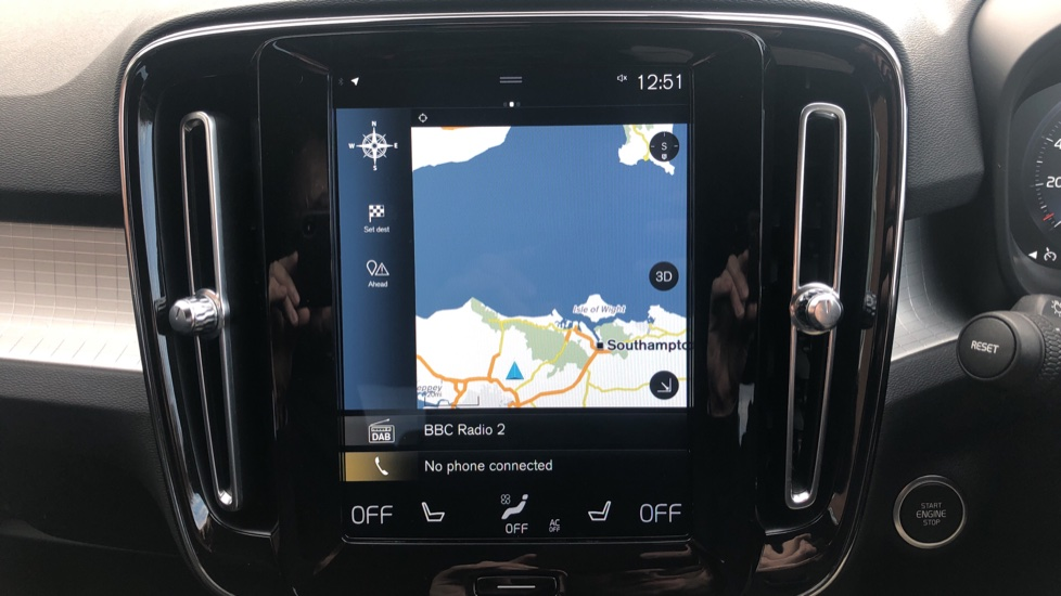 Volvo XC40 2.0 D3 Momentum AWD AT, Winter & Convenience Pks, F. Sensors, Keyless Drive, S/Phone Prep. image 5