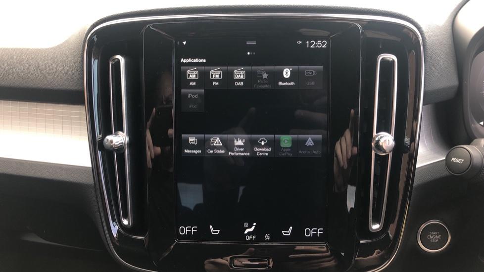 Volvo XC40 2.0 D3 Momentum AWD AT, Winter & Convenience Pks, F. Sensors, Keyless Drive, S/Phone Prep. image 8