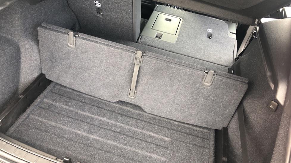 Volvo XC40 2.0 D3 Momentum AWD AT, Winter & Convenience Pks, F. Sensors, Keyless Drive, S/Phone Prep. image 24