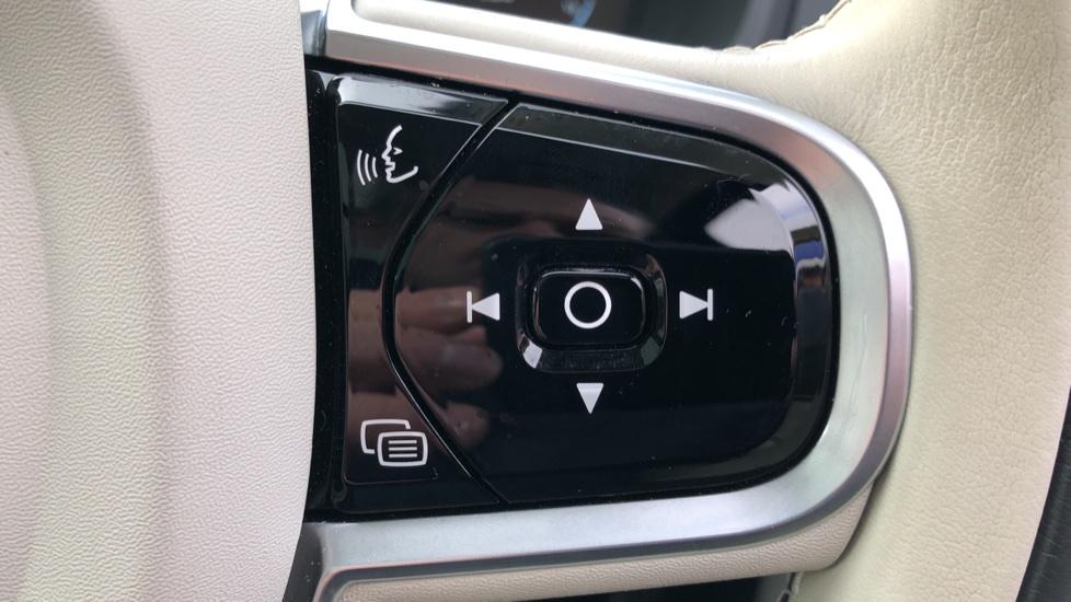 Volvo XC90 T8 Hybrid Inscription Pro AWD Auto, Xenium Pack, Sunroof, 360 Camera, Bowers & Wilkins Audio image 20