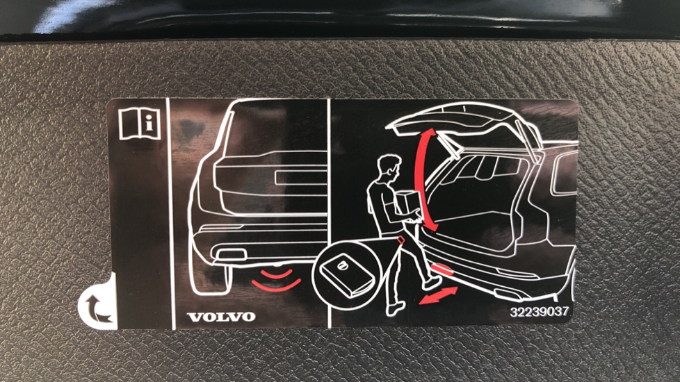 Volvo XC90 T8 Hybrid Inscription Pro AWD Auto, Xenium Pack, Sunroof, 360 Camera, Bowers & Wilkins Audio image 42