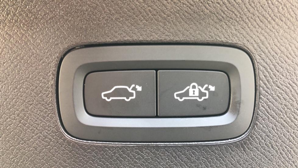 Volvo XC90 T8 Hybrid Inscription Pro AWD Auto, Xenium Pack, Sunroof, 360 Camera, Bowers & Wilkins Audio image 41