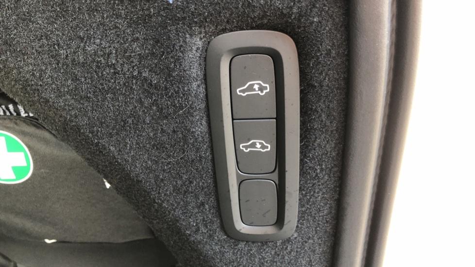 Volvo XC90 T8 Hybrid Inscription Pro AWD Auto, Xenium Pack, Sunroof, 360 Camera, Bowers & Wilkins Audio image 12