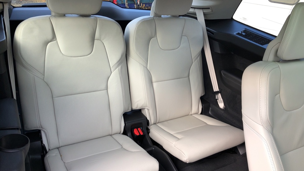 Volvo XC90 T8 Hybrid Inscription Pro AWD Auto, Xenium Pack, Sunroof, 360 Camera, Bowers & Wilkins Audio image 30