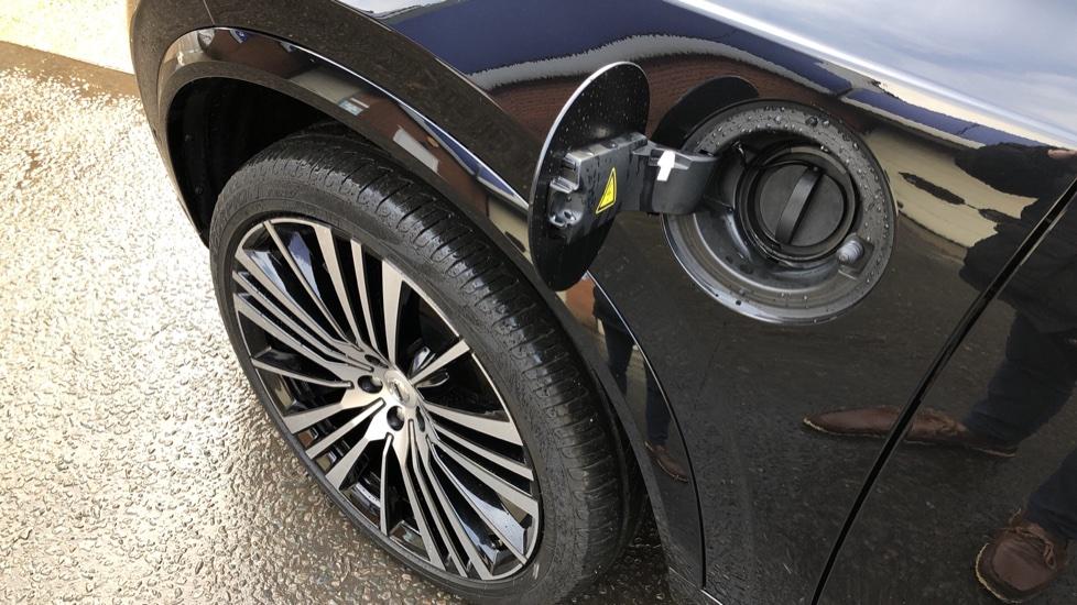 Volvo XC90 T8 Hybrid Inscription Pro AWD Auto, Xenium Pack, Sunroof, 360 Camera, Bowers & Wilkins Audio image 39