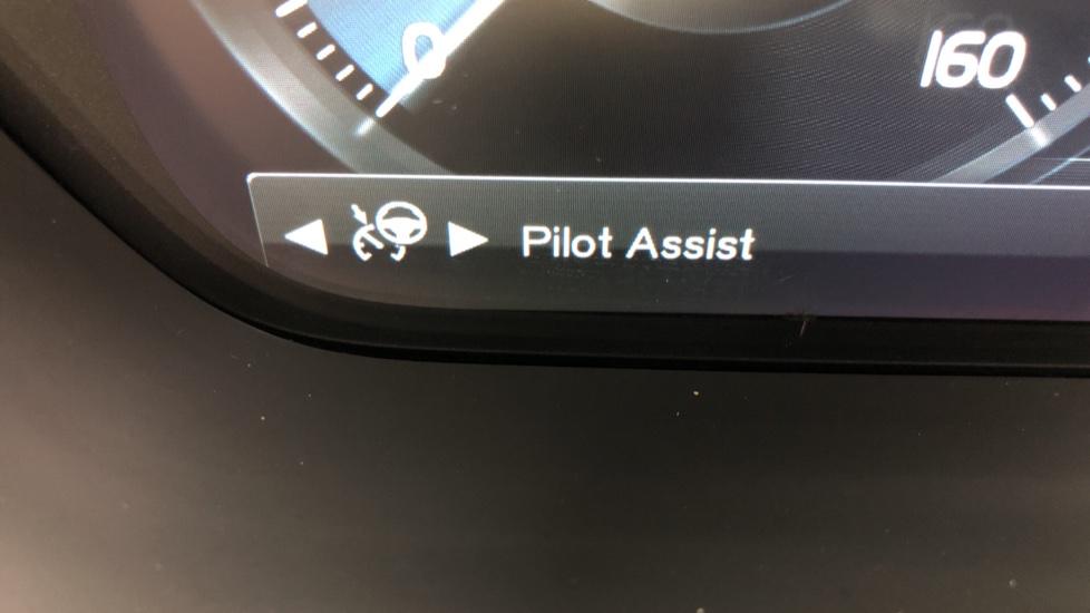 Volvo XC90 T8 Hybrid Inscription Pro AWD Auto, Xenium Pack, Sunroof, 360 Camera, Bowers & Wilkins Audio image 16
