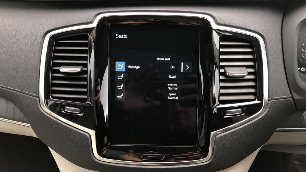 Volvo XC90 T8 Hybrid Inscription Pro AWD Auto, Xenium Pack, Sunroof, 360 Camera, Bowers & Wilkins Audio image 21