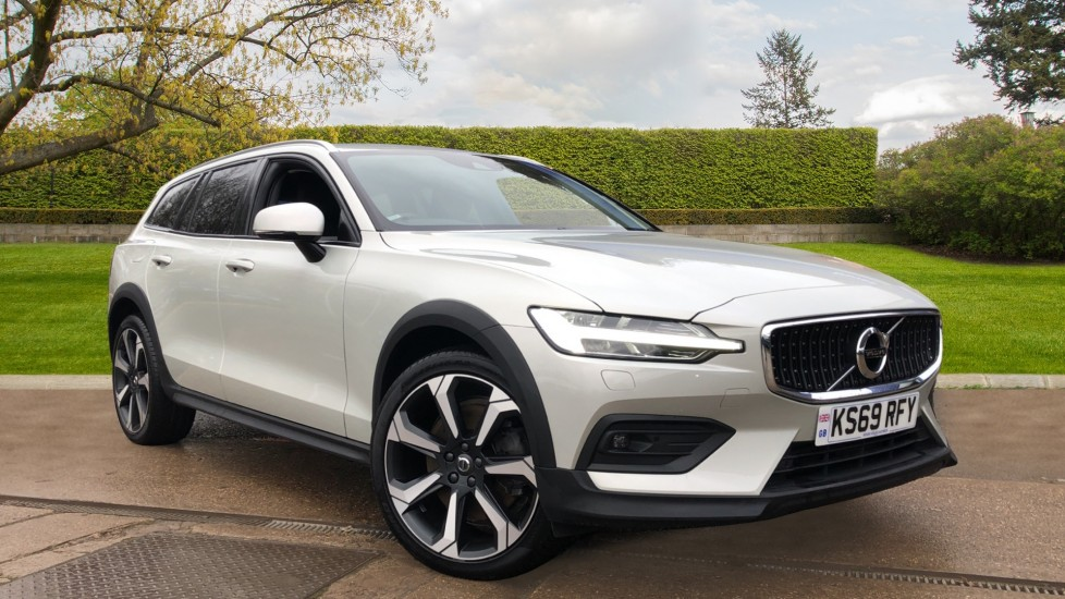 Volvo V60 T5 Cross Country Plus AWD Auto, Intellisafe Pro, Winter pack, Adaptive Cruise Control 2.0 Automatic 5 door 4x4 (2019) available from Land Rover Swindon thumbnail image