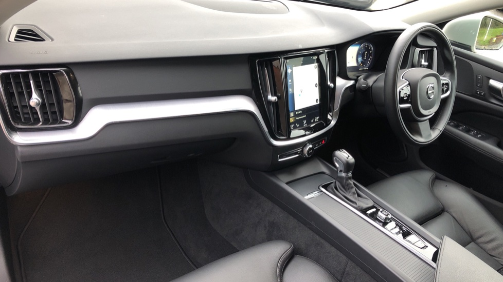 Volvo V60 T5 Cross Country Plus AWD Auto, Intellisafe Pro, Winter pack, Adaptive Cruise Control image 10