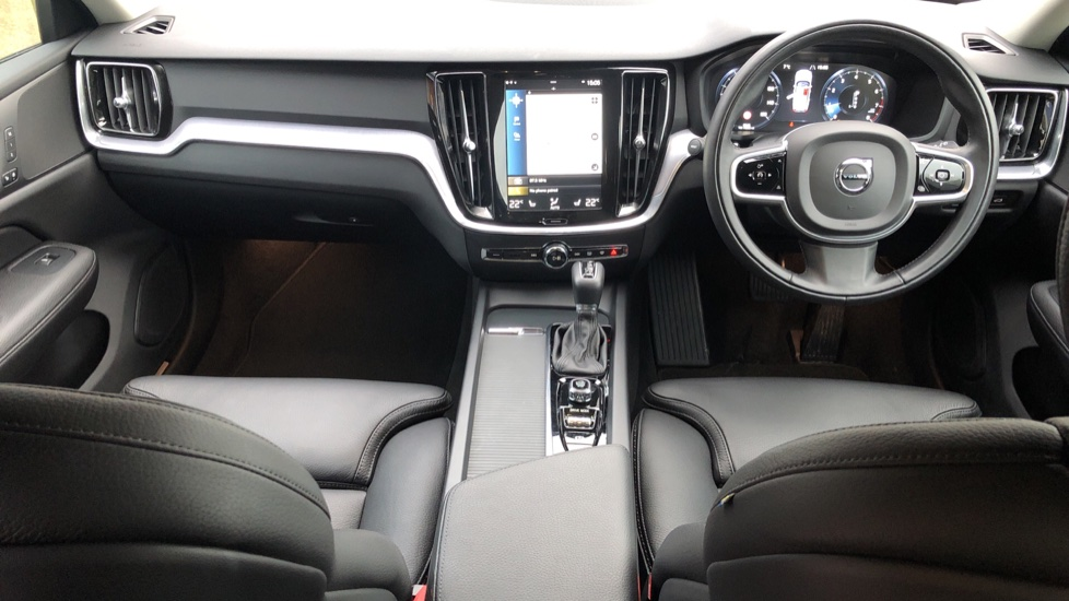 Volvo V60 T5 Cross Country Plus AWD Auto, Intellisafe Pro, Winter pack, Adaptive Cruise Control image 9