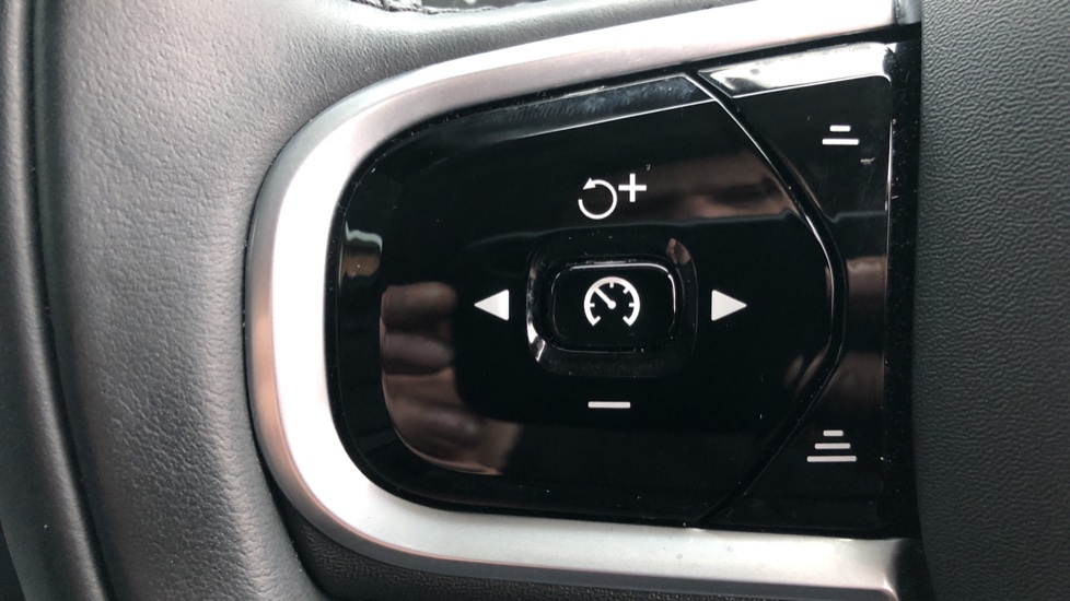 Volvo V60 T5 Cross Country Plus AWD Auto, Intellisafe Pro, Winter pack, Adaptive Cruise Control image 11
