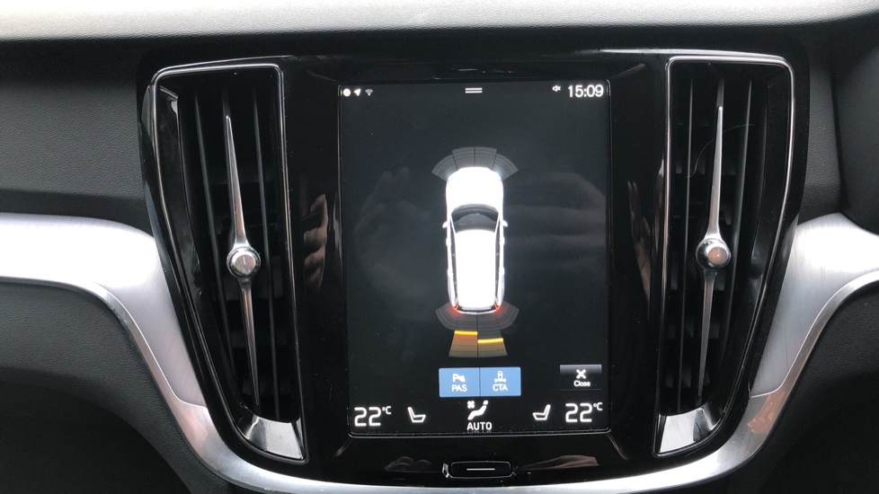 Volvo V60 T5 Cross Country Plus AWD Auto, Intellisafe Pro, Winter pack, Adaptive Cruise Control image 6
