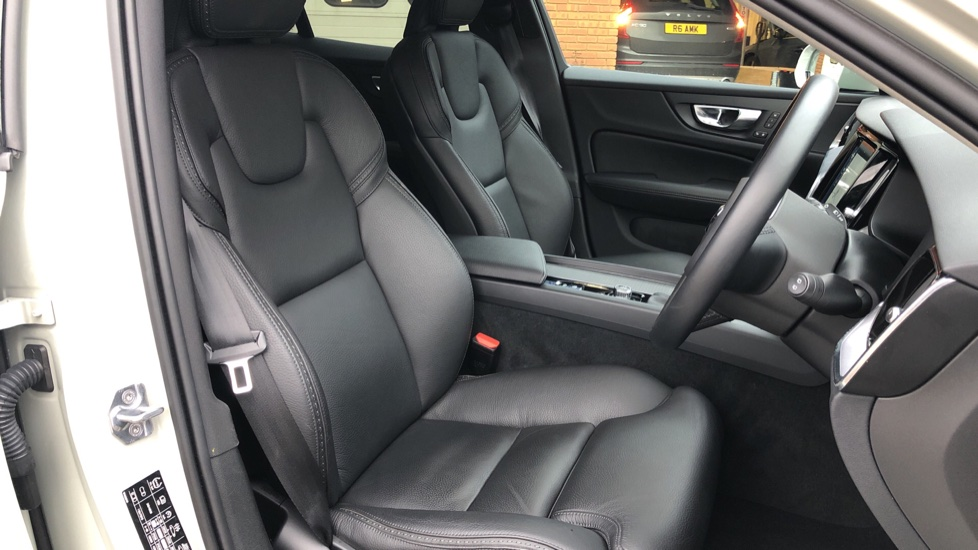 Volvo V60 T5 Cross Country Plus AWD Auto, Intellisafe Pro, Winter pack, Adaptive Cruise Control image 19