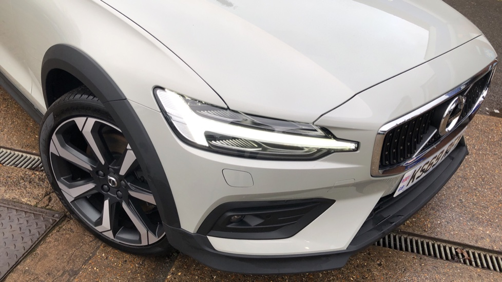 Volvo V60 T5 Cross Country Plus AWD Auto, Intellisafe Pro, Winter pack, Adaptive Cruise Control image 26