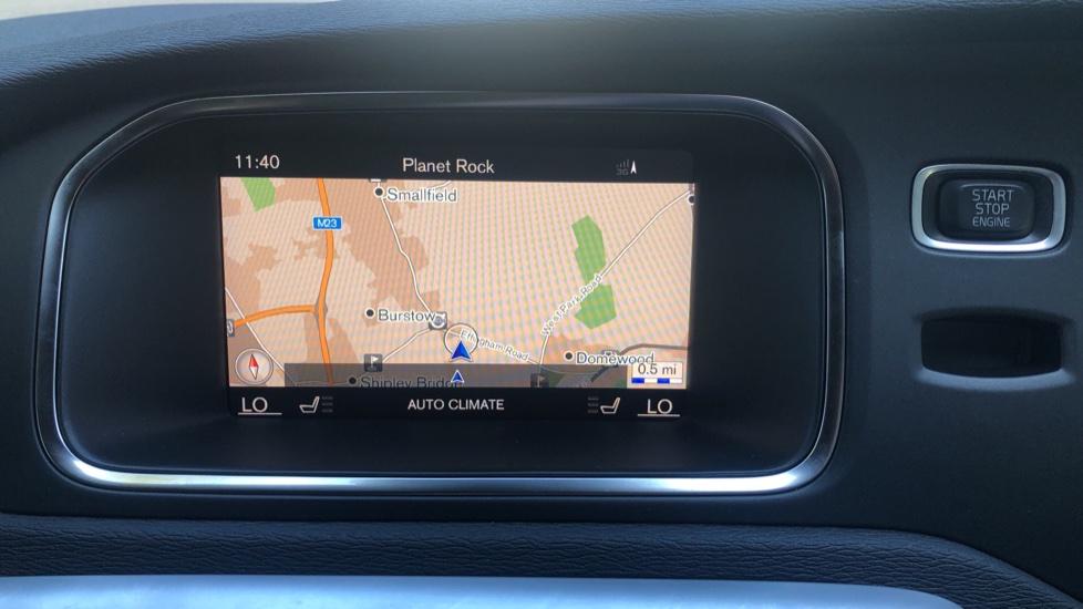 Volvo V40 D2 R Design Nav Plus, Winter Pk, Intellisafe Pro, Keyless Drive, Ft Sensors, Tints & Volvo On Call image 5