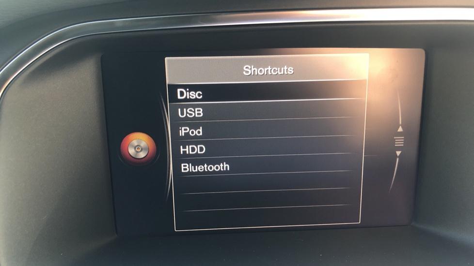 Volvo V40 D2 R Design Nav Plus, Winter Pk, Intellisafe Pro, Keyless Drive, Ft Sensors, Tints & Volvo On Call image 11
