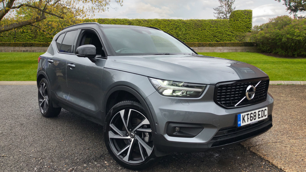 Volvo XC40 2.0 D3 R Design AWD Auto, Nav, Xenium & Winter Pks, S/Phone Int & Wireless Charging, 20' Alloys Diesel Automatic 5 door 4x4 (2018) image