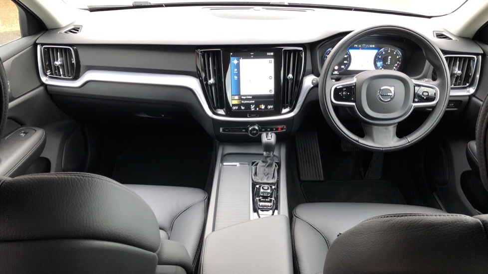 Volvo V60 T4 Momentum Plus Auto, Convenience & Winter Packs, Intellisafe Pro, Smartphone Integration image 10