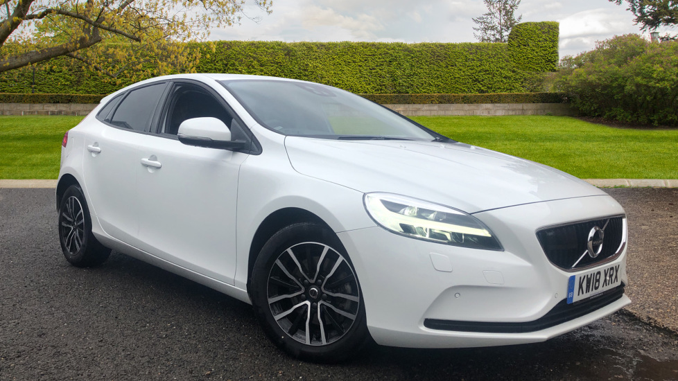 Volvo V40 T2 Momentum Nav Plus, Winter Pk, R.Camera, Adaptive Cruise & Lane Keeping, Active High Beam 2.0 5 door Hatchback (2018)