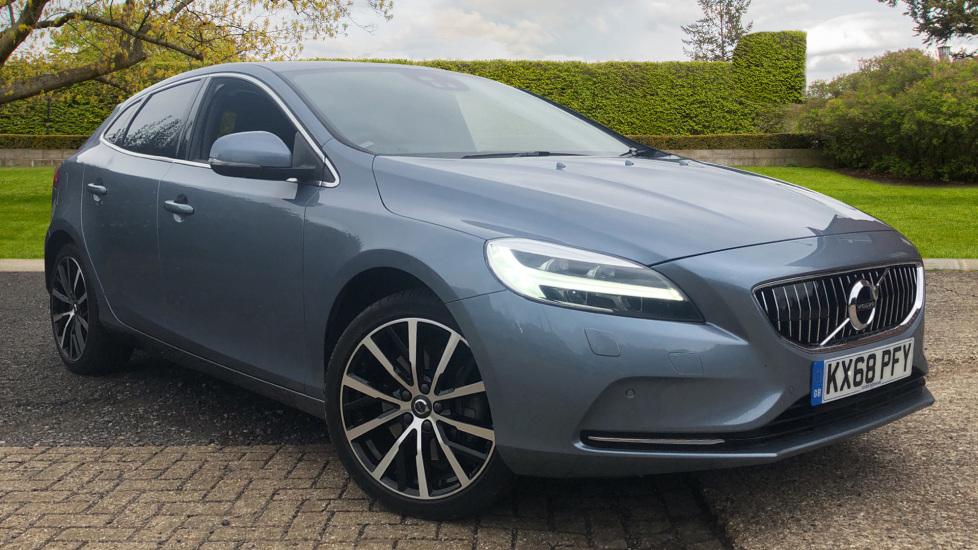 Volvo V40 D3 Inscription Auto, Winter Pack, Intellisafe Pro, Heated Screen, Adaptive Cruise Control & BLIS 2.0 Diesel Automatic 5 door Hatchback (2018) at Volvo Horsham thumbnail image