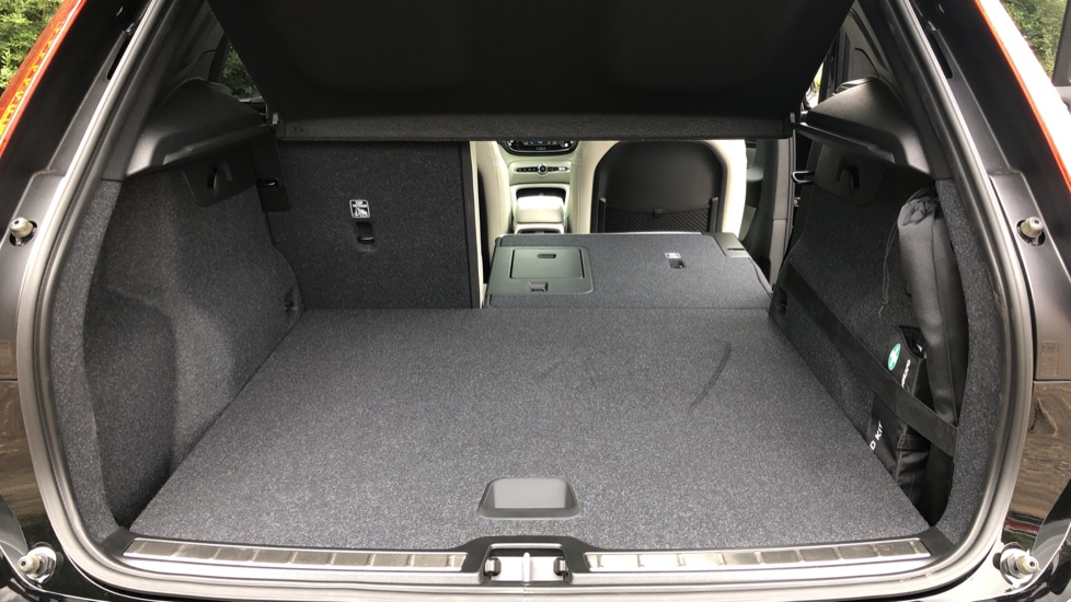 Volvo XC40 D3 Inscription Pro AWD Auto, Xenium Pack, Sunroof, 360 Camera, BLIS, Smartphone Integration, Tints image 33
