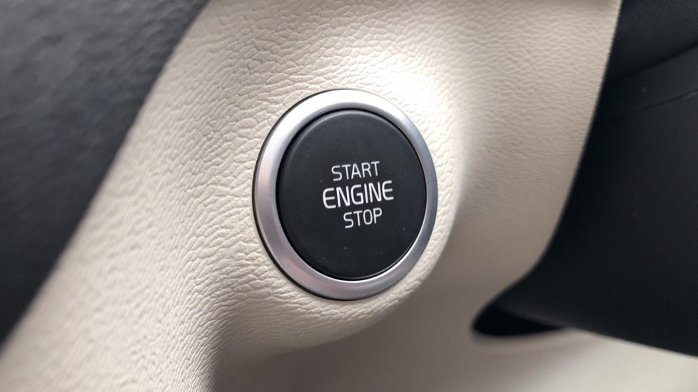 Volvo XC40 D3 Inscription Pro AWD Auto, Xenium Pack, Sunroof, 360 Camera, BLIS, Smartphone Integration, Tints image 19