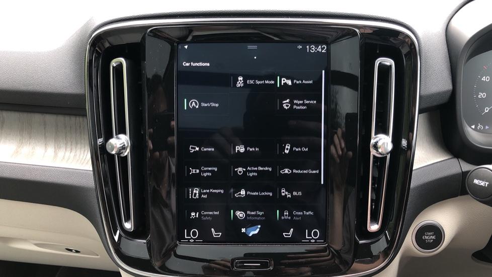 Volvo XC40 D3 Inscription Pro AWD Auto, Xenium Pack, Sunroof, 360 Camera, BLIS, Smartphone Integration, Tints image 25