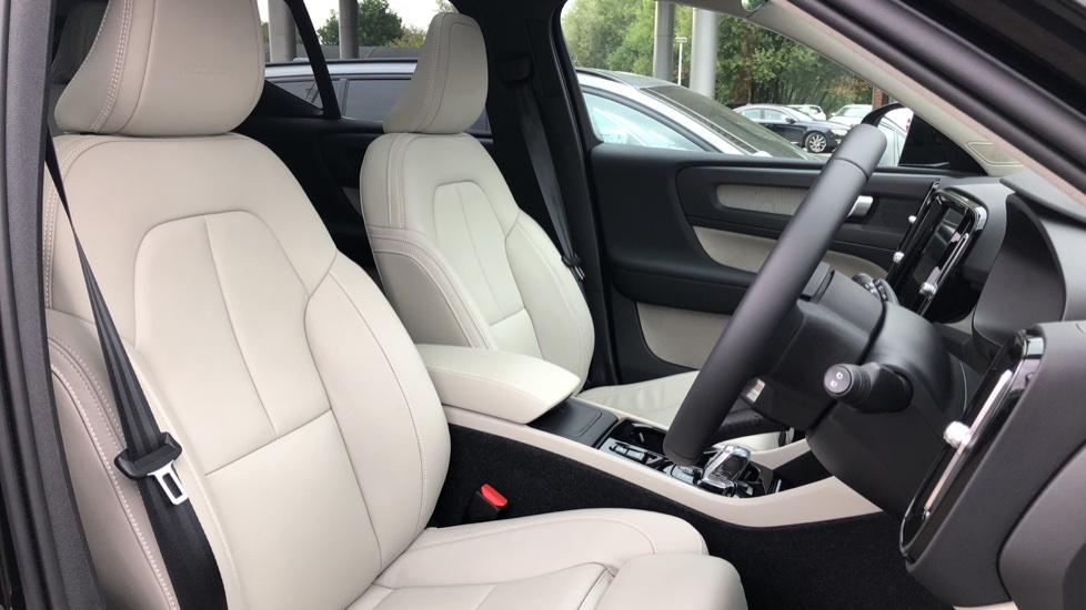 Volvo XC40 D3 Inscription Pro AWD Auto, Xenium Pack, Sunroof, 360 Camera, BLIS, Smartphone Integration, Tints image 15