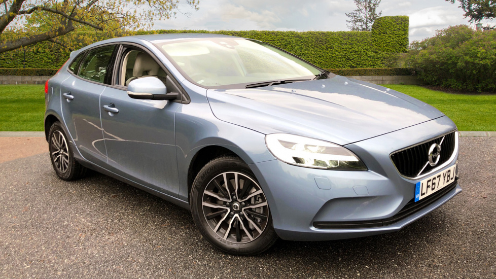 Volvo V40 T3 152hp Petrol Momentum Auto with Tempa Wheel, Winter Pack, Flexis Floor and Rear Park Assist 1.5 Automatic 5 door Hatchback (2017) image