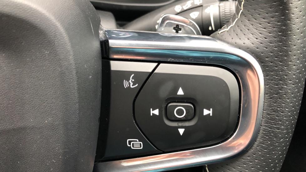 Volvo XC40 T5 First Edition AWD Auto, Launch Model, Nav, Sunroof, 360 Camera, HK Audio, Heated Seats image 20